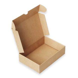 As caixas de cartão para encomendas são automontáveis, em cartão fino com kraft exterior, 100% reciclável