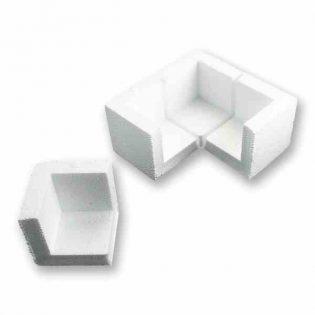 Os cantos de poliestireno são peças desenvolvidas com a finalidade de proteger os cantos de qualquer objeto durante o seu transporte e armazenagem.