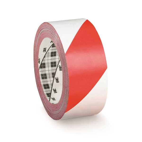 Fita de marcação de solo da 3M™ com suporte em vinil revestida com adesivo à base de resina de borracha para grande aderência inicial