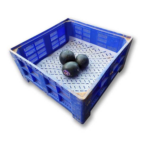 Os formatos de espuma para palotes de fruta, através das suas propriedades, exercem um efeito de amortecimento quando as frutas são colocadas nos palotes